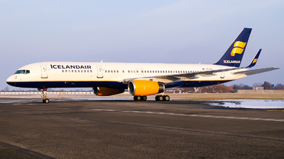 TF-FIA - Boeing 757-256 - Icelandair
