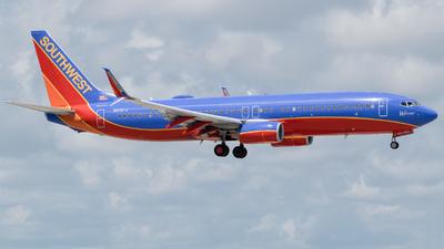 N8301J - Boeing 737-8H4 - Southwest Airlines