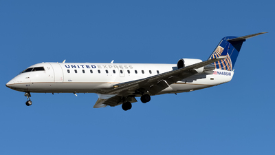 N465SW - Bombardier CRJ-200ER - United Express (SkyWest Airlines)