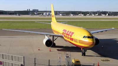A picture of EIOZM - Airbus A300B4622R(F) - DHL - © Johannes Reichert