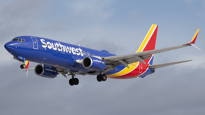 A picture of N8527Q - Boeing 7378H4 - Southwest Airlines - © Andrew Mauro