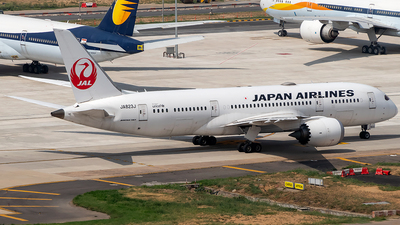 JA823J - Boeing 787-8 Dreamliner - Japan Airlines (JAL)