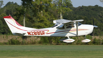 N2895F - Cessna 182J Skylane - Private