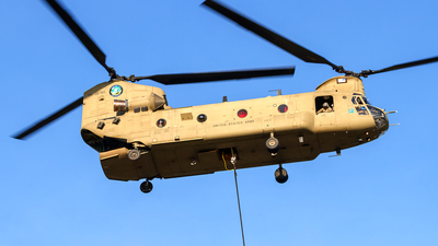 08-08760 - Boeing CH-47F Chinook - United States - US Army