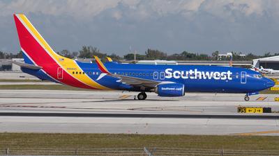 N8680C - Boeing 737-8H4 - Southwest Airlines