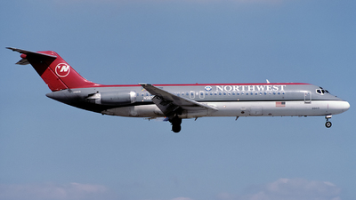 N983US - McDonnell Douglas DC-9-32 - Northwest Airlines