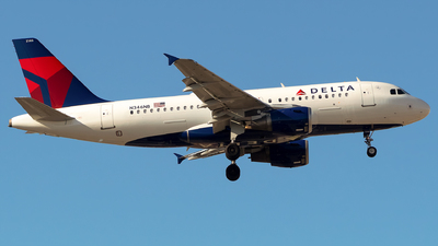 A picture of N346NB - Airbus A319114 - Delta Air Lines - © Lorenzo P