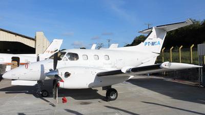 PT-MCA - Embraer EMB-121A1 Xingú II - Abaeté Táxi Aéreo