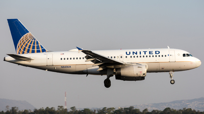 A picture of N843UA - Airbus A319131 - United Airlines - © Jaime K Morales
