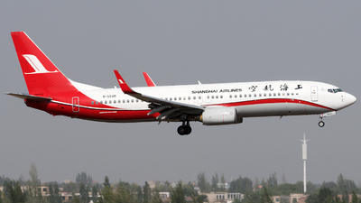 B-5548 - Boeing 737-86N - Shanghai Airlines