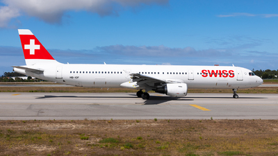 A picture of HBIOF - Airbus A321111 - Swiss - © Carlos Miguel Seabra