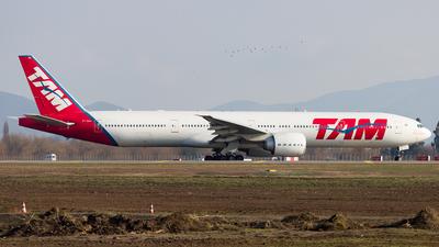 PT-MUA - Boeing 777-32WER - TAM Linhas Aéreas