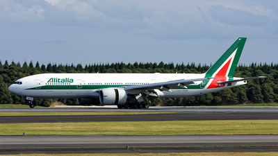 EI-ISB - Boeing 777-243(ER) - Alitalia