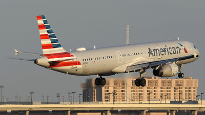 A picture of N971UY - Airbus A321231 - American Airlines - © DJ Reed - OPShots Photo Team