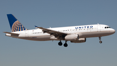 A picture of N443UA - Airbus A320232 - United Airlines - © PAUL LINK