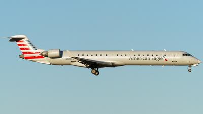 A picture of N923FJ - Mitsubishi CRJ900ER - American Airlines - © Eric Siebeneicher