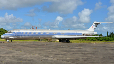 N428AA - McDonnell Douglas MD-82 - Untitled