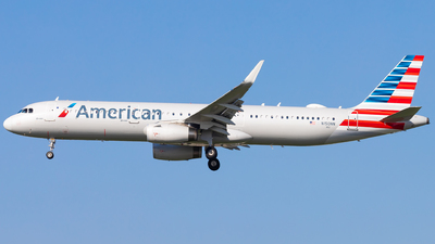 A picture of N150NN - Airbus A321231 - American Airlines - © Eric Esots