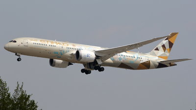 A picture of A6BLI - Boeing 7879 Dreamliner - Etihad Airways - © Luca Gussoni