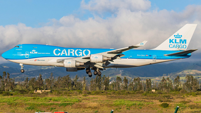 A picture of PHCKA - Boeing 747406F(ER) - KLM - © Martin Blanco C