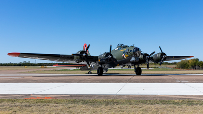 NL7227C - Boeing B-17G Flying Fortress - Commemorative Air Force