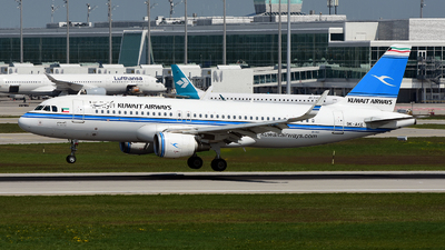 A picture of 9KAKE - Airbus A320214 - Kuwait Airways - © Bowen Chau - The HKADB Spotters Group
