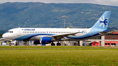 XA-AYO - Airbus A320-214 - Interjet