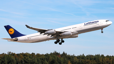 A picture of DAIGO - Airbus A340313 - Lufthansa - © Vince Claus