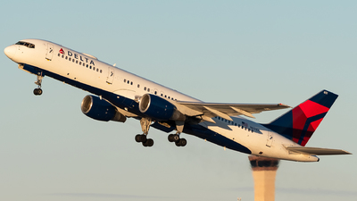 A picture of N651DL - Boeing 757232 - Delta Air Lines - © bill wang