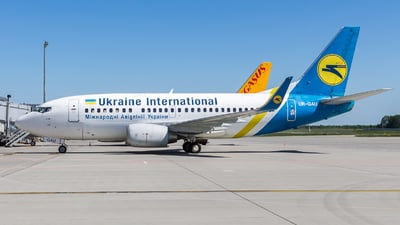 UR-GAU - Boeing 737-5Y0 - Ukraine International Airlines