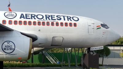 VT-SIF     - Boeing 737-2K9(Adv) - Private