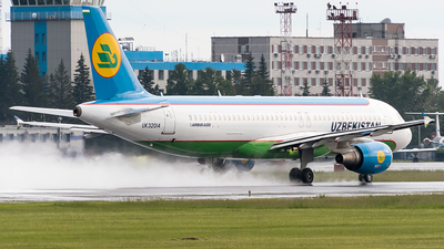 UK32014 - Airbus A320-214 - Uzbekistan Airways