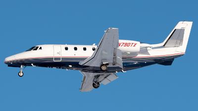 A picture of N790TX - Cessna 560XLS Citation Excel - Executive Jet Management - © Ben Suskind