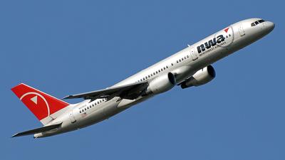 N526US - Boeing 757-251 - Northwest Airlines