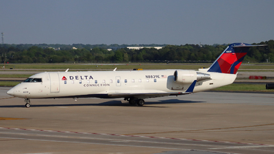 A picture of N8839E - Mitsubishi CRJ200LR - Delta Air Lines - © Ethan Peters