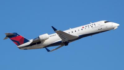 A picture of N922EV - Mitsubishi CRJ200LR - Delta Air Lines - © Stephen J Stein