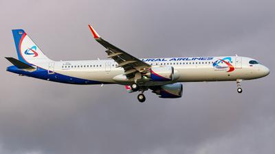 D-AZAK - Airbus A321-251NX - Ural Airlines