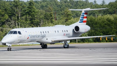 A picture of N660CL - Embraer ERJ145LR - American Airlines - © Jake Sevigny - kmht.jake
