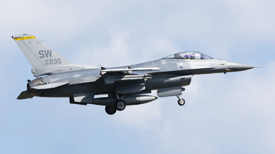 00-6035 - General Dynamics F-16C Fighting Falcon - United States - US Air Force (USAF)