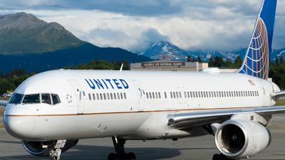 N14107 - Boeing 757-224 - United Airlines