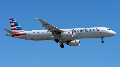 A picture of N913US - Airbus A321231 - American Airlines - © Mingfei S
