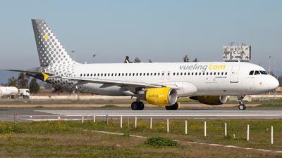 EC-KLB - Airbus A320-214 - Vueling