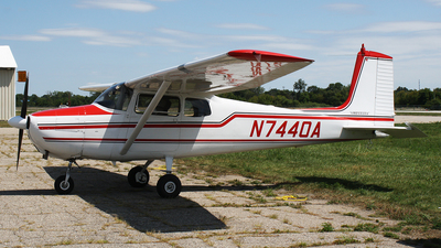 N7440A - Cessna 172 Skyhawk - Private