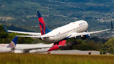 A picture of N3738B - Boeing 737832 - Delta Air Lines - © Ivan Jimenez Rojas