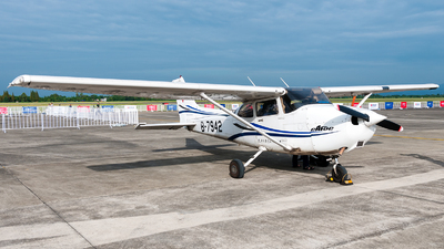 B-7942 - Cessna 172R Skyhawk - Civil Aviation Flight University of China