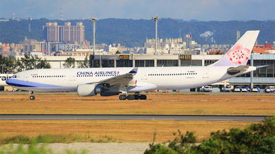 B-18302 - Airbus A330-302 - China Airlines
