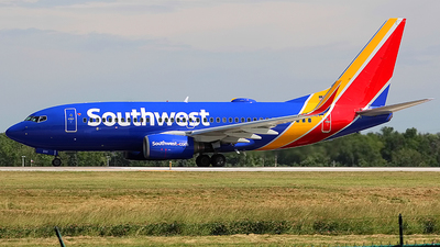 N233LV - Boeing 737-7H4 - Southwest Airlines