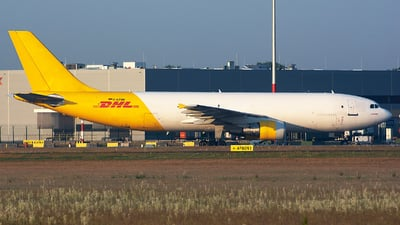 D-AZMK - Airbus A300B4-622R(F) - DHL (European Air Transport)