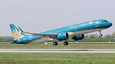 D-AVZH - Airbus A321-272N - Vietnam Airlines