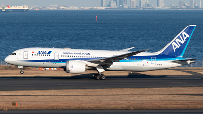 A picture of JA817A - Boeing 7878 Dreamliner - All Nippon Airways - © Yoshio Yamagishi